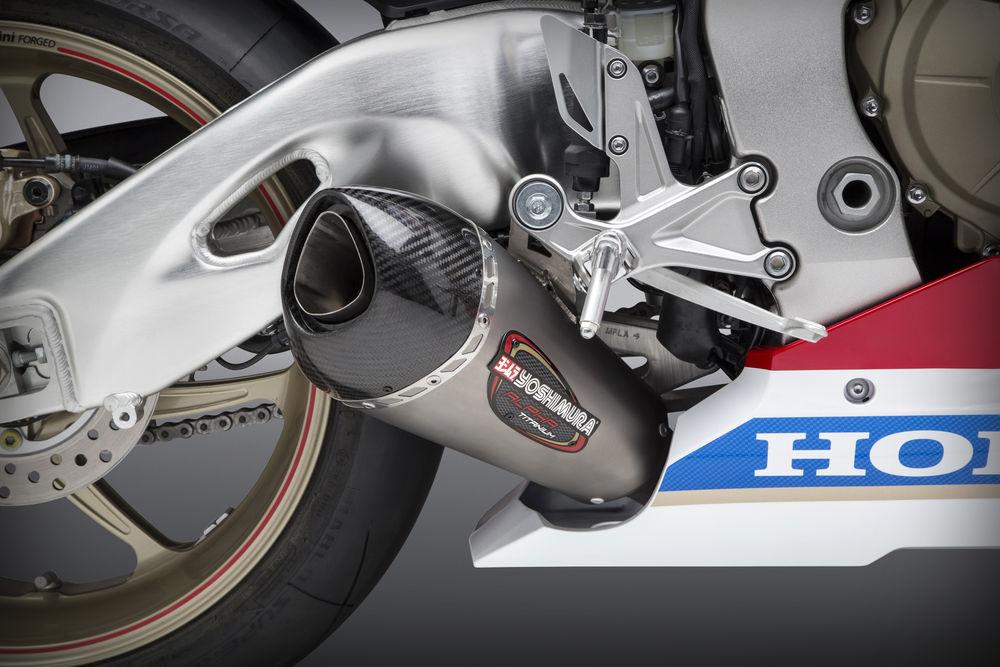 Компания Yoshimura представила глушители Alpha T для Honda CBR1000RR 2017