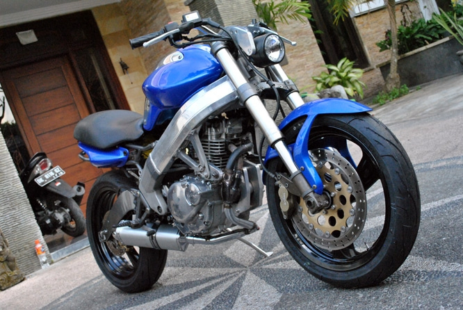 Стритфайтер Cagiva Planet GS250X