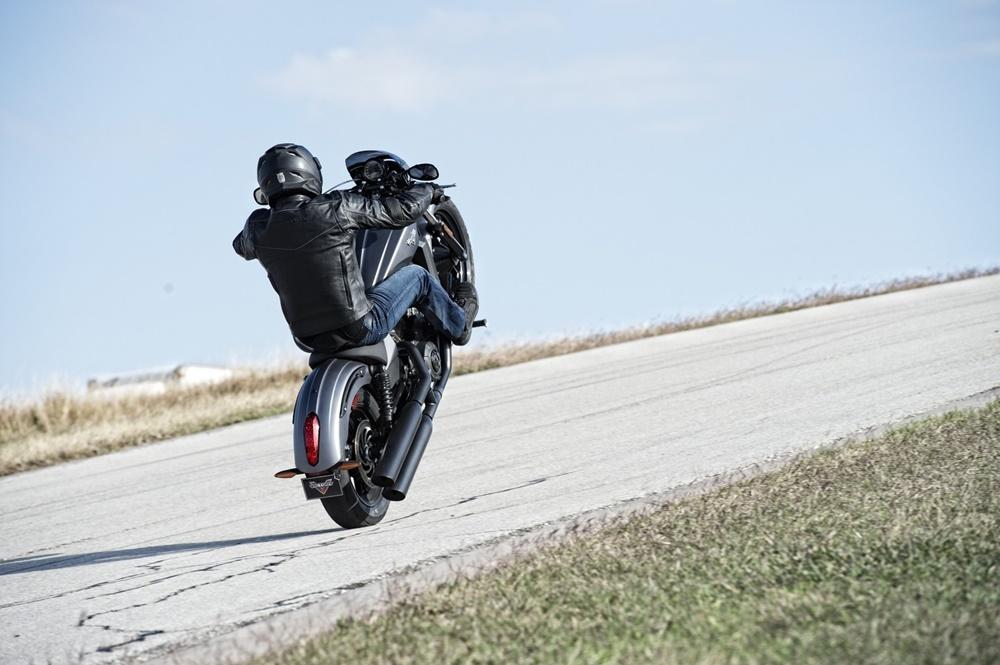 Аксессуары к новому мотоциклу Victory Octane