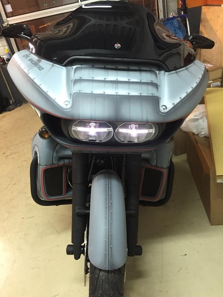 Бэггер Harley-Davidson Road Glide Shark