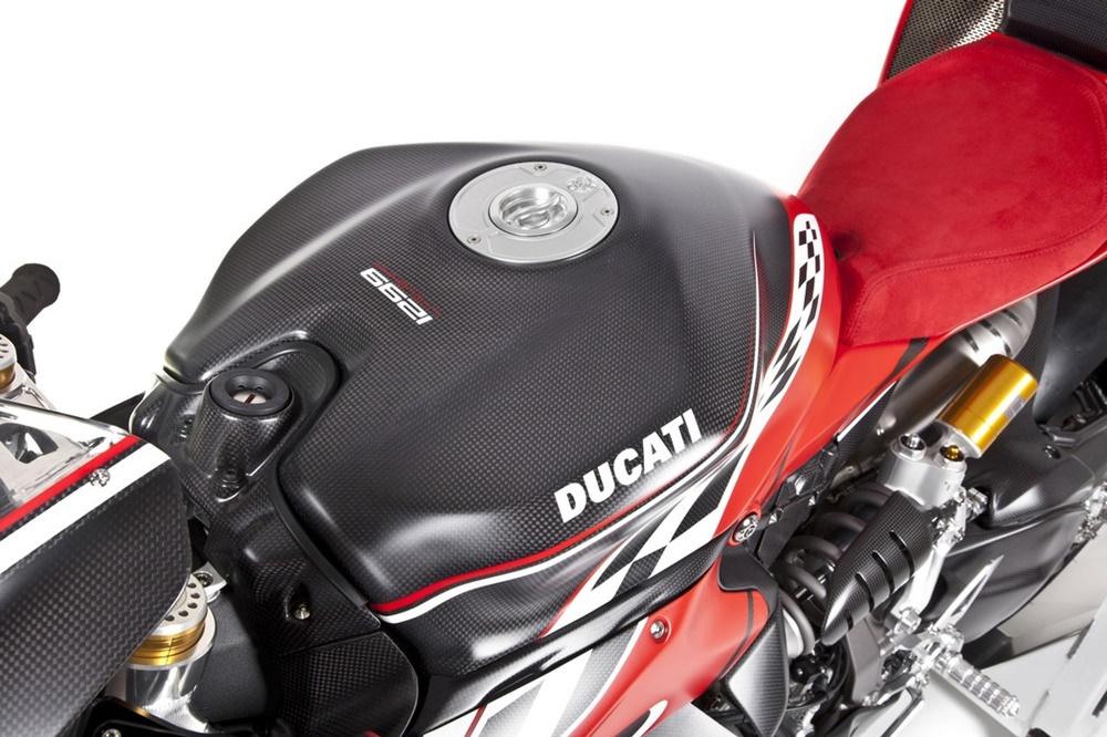 Motocorse: супербайк Ducati Panigale 1299 Lyolenka